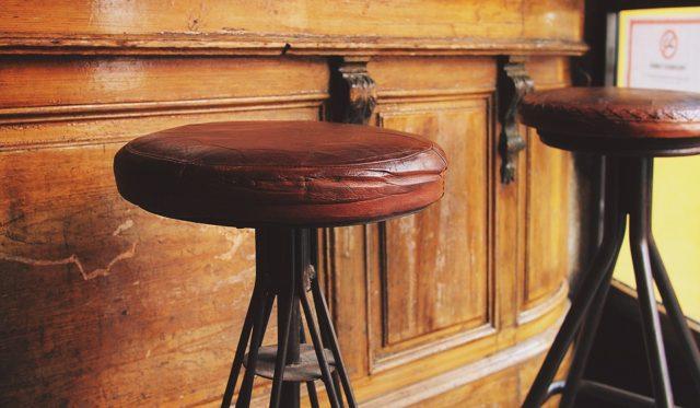 Мебель для баров и кафе – как выбрать